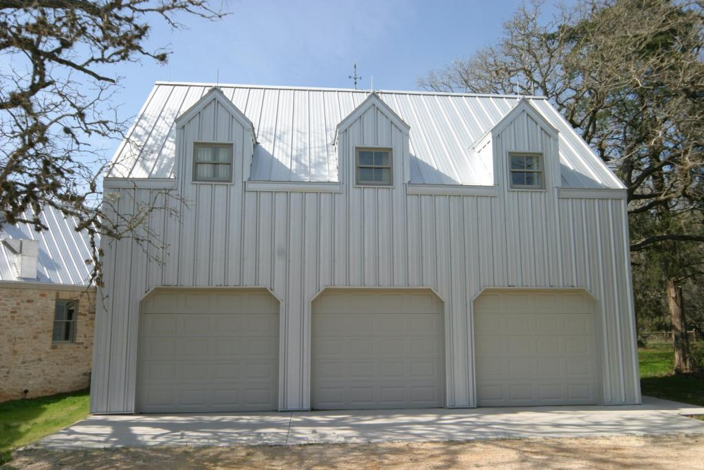 "<a href=""/node/226"">THIS THREE CAR GARAGE IS DESIGNED TO RESEMBLE A BARN AND FEATURES A SECOND STORY GAME/ TV ROOM</a>"